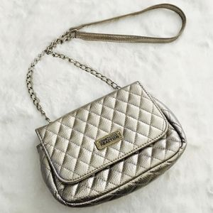 Kenneth cole reaction silver quilted crossbody bag